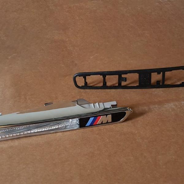 BMW-Serie-1-Piscas-Laterais-M1-2